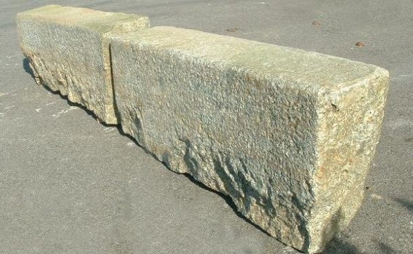 Bordure ancienne de jardin en granit