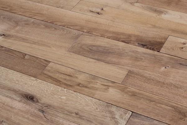 parquet traditionnel vieux chene / antique French oak flooring