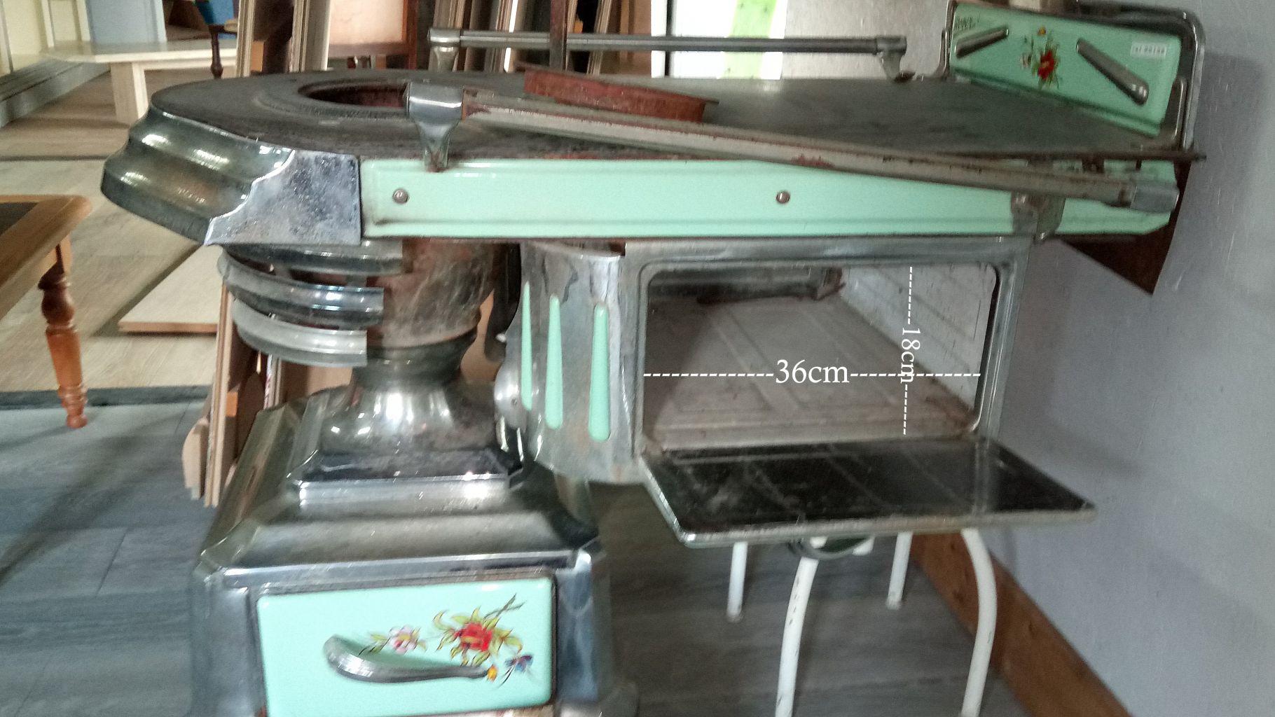 cuisini re ancienne bois charbon d cor maill bca. Black Bedroom Furniture Sets. Home Design Ideas