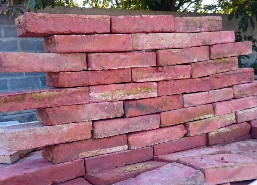 brique rouge ancienne en terre cuite bca mat riaux anciens. Black Bedroom Furniture Sets. Home Design Ideas