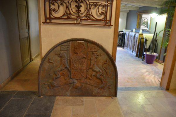 Grande plaque de cheminée en fonte ancienne