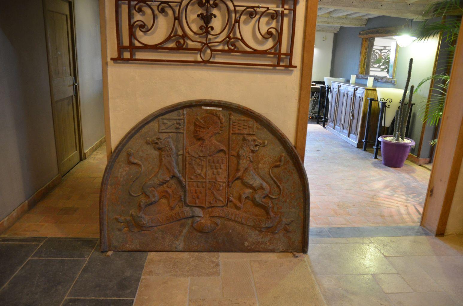 Grande Plaque De Cheminee En Fonte Ancienne Bca Materiaux Anciens