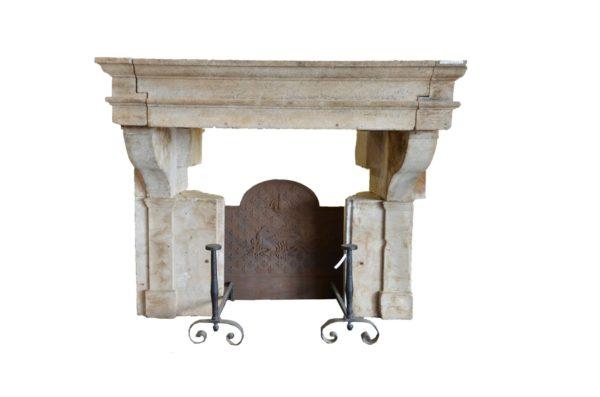 Cheminée ancienne en Pierre, style Louis XIII