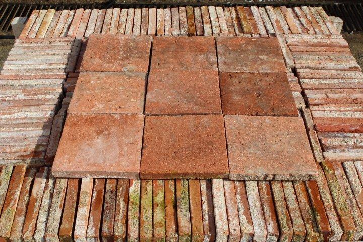 Carreaux anciens terre cuite 22x22cm for Carrelage ancien terre cuite