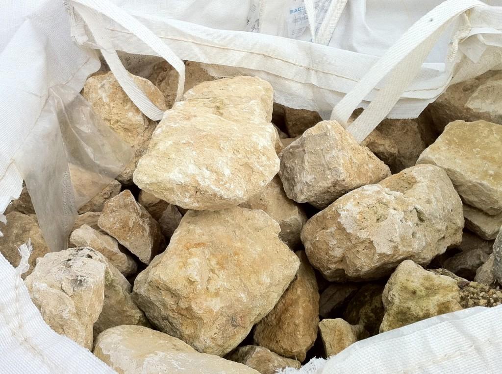 Moellons anciens en pierre calcaire for Carrelage en pierre calcaire