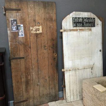 Portes anciennes en sapin