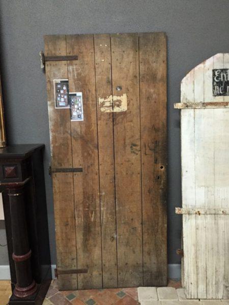 Anciennes portes en sapin