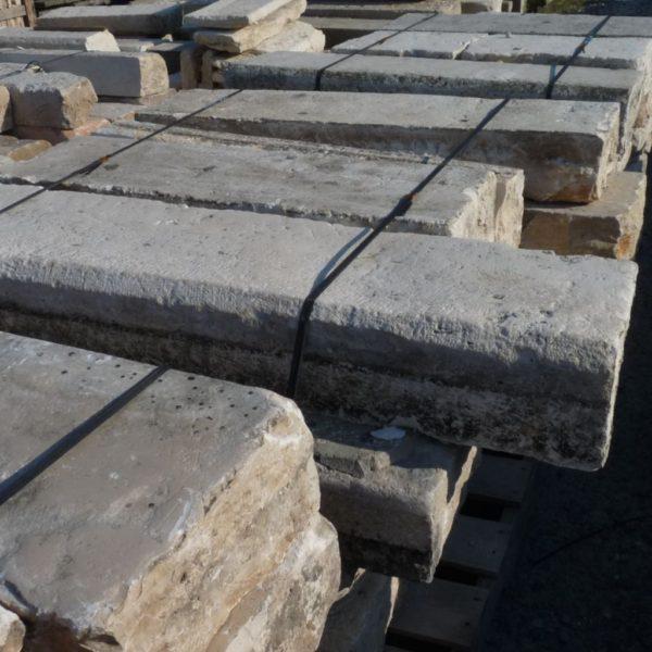 Marches pierre calcaire