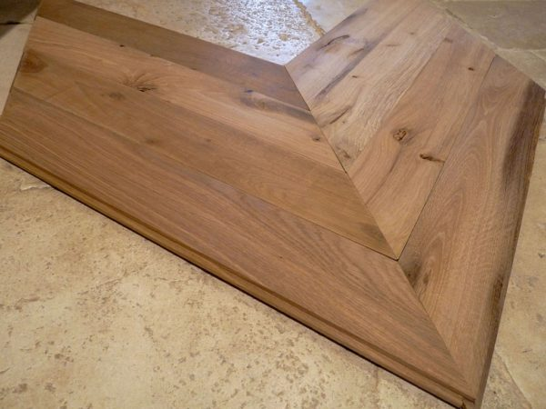 parquet Point de Hongrie / Antique remilled oak Chevron