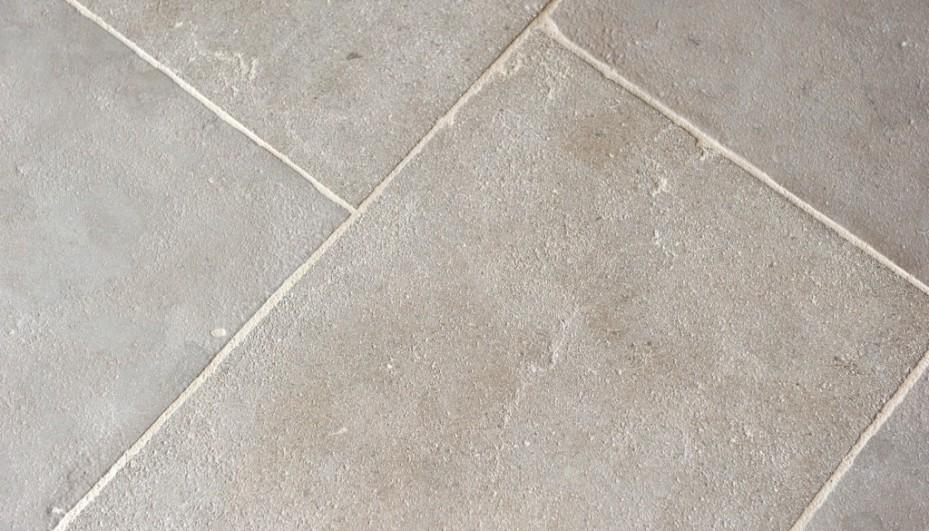Dallage eos en pierre calcaire naturelle bca mat riaux for Carrelage en pierre calcaire