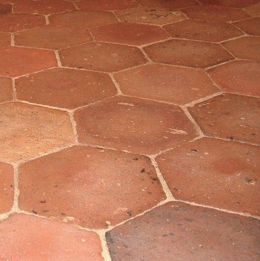 ancienne terre cuite hexagonale
