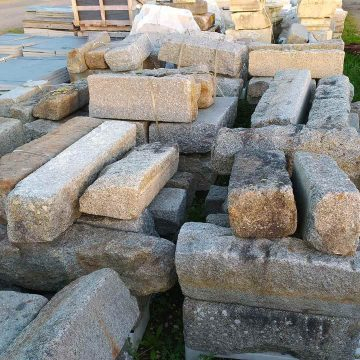 bordures anciennes en granit