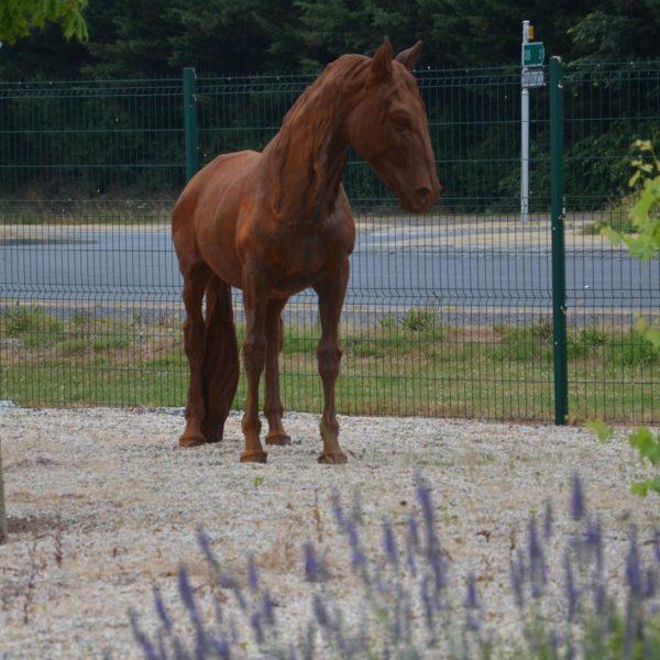 cheval fonte déco