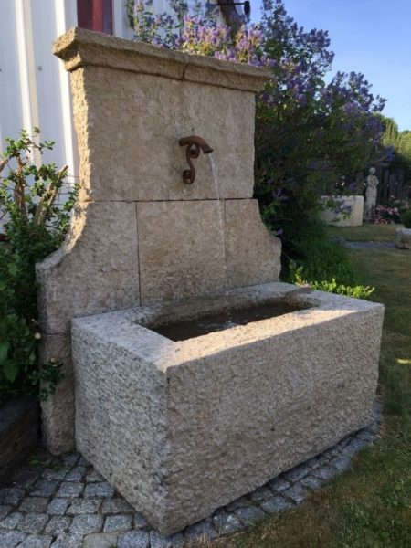 fontaine pierre ancienne