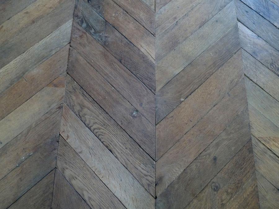 parquet ancien en point de hongrie bca mat riaux anciens. Black Bedroom Furniture Sets. Home Design Ideas