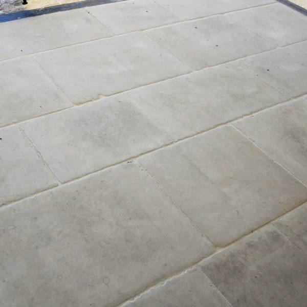 réplique dallage en pierre provencal