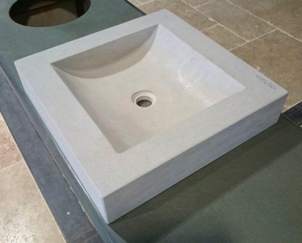 vasque mera en pierre grise