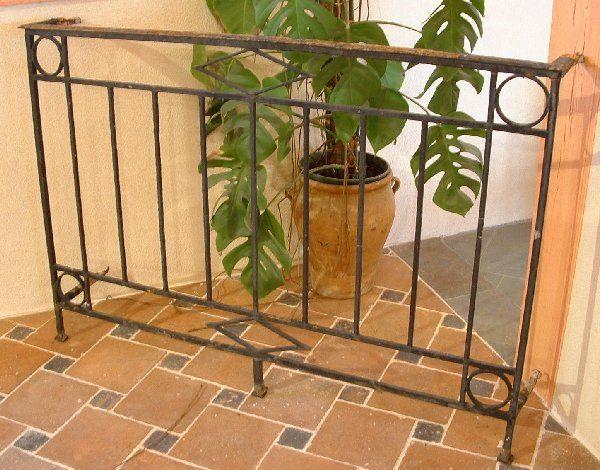 Balcon fer forgé ancien