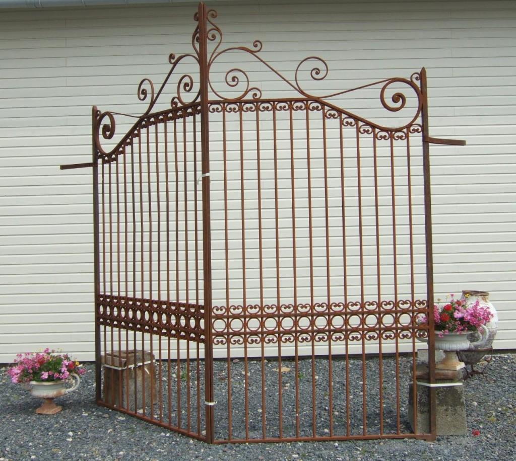 Grille fer forg ancienne r plique de portail ancien bca mat riaux for Portail grille fer forge