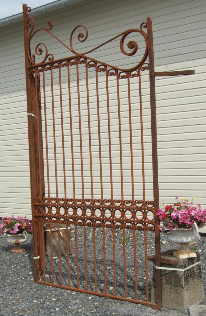 grille fer forg ancienne r plique de portail ancien bca mat riaux. Black Bedroom Furniture Sets. Home Design Ideas