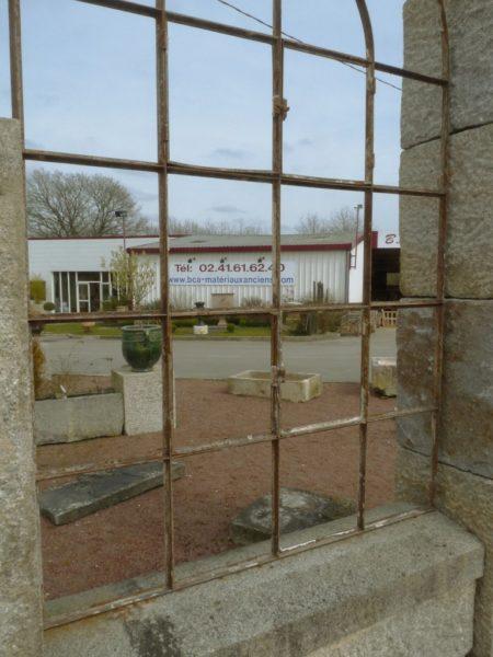 fenêtre ancienne en fer