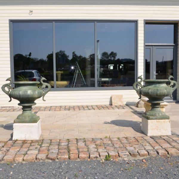 Vase oiseaux en fonte