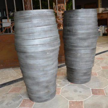 Vases gris beton