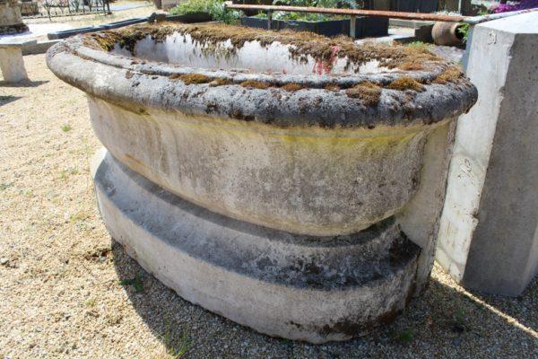 Bac fontaine en pierre
