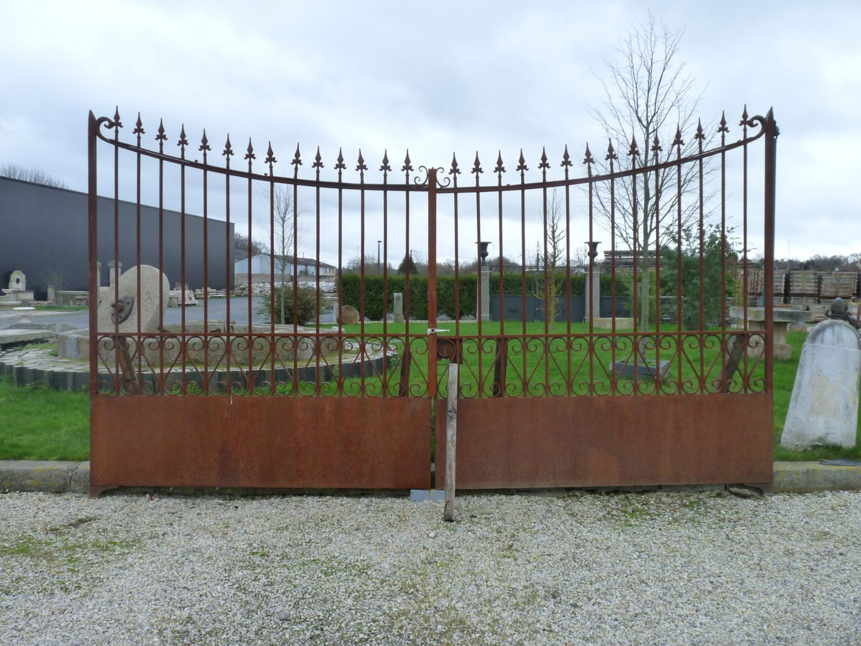 Portail ancien fer forg portail de r cup ration bca for Portail jardin fer forge