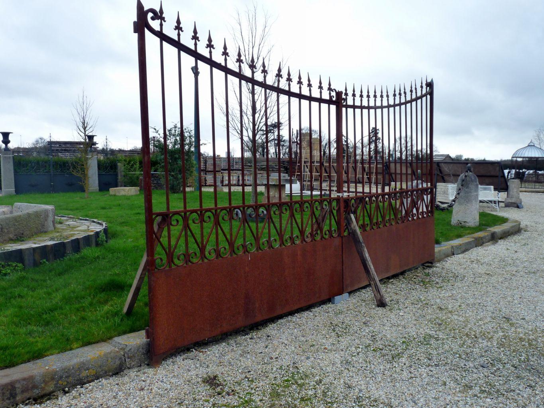 Portail ancien fer forg - Grille de jardin en fer ...