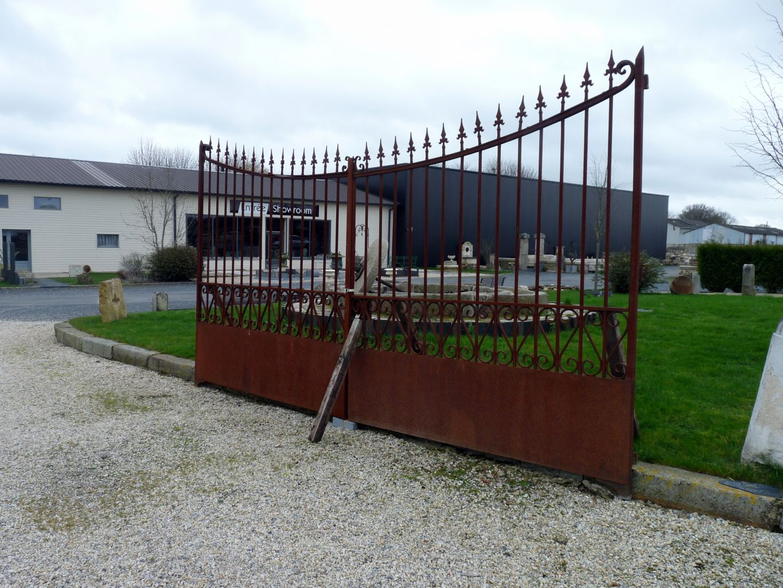 Portail ancien fer forg portail de r cup ration bca for Portail de jardin fer forge