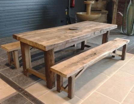 Table en vieux ch ne de r cup ration fabrication r cente - Plan pour fabriquer une table de jardin en bois ...