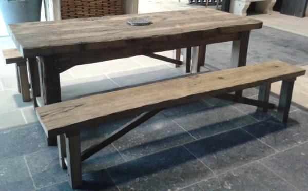 Table en vieux bois de récupération