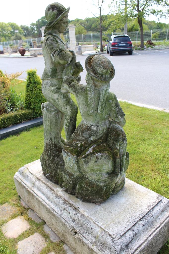 Statue En Pierre Calcaire