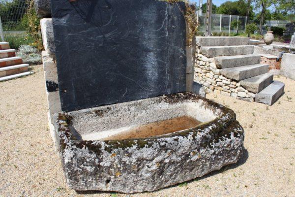 Bac ancien en pierre calcaire