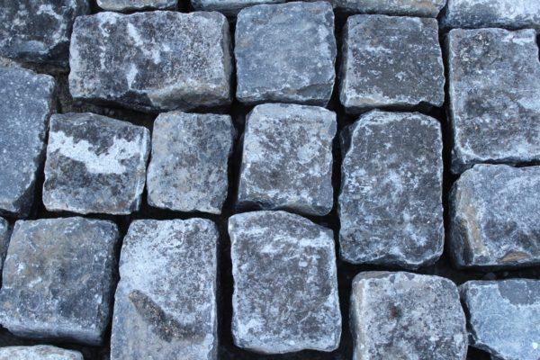 Pavés anciens en pierre bleue