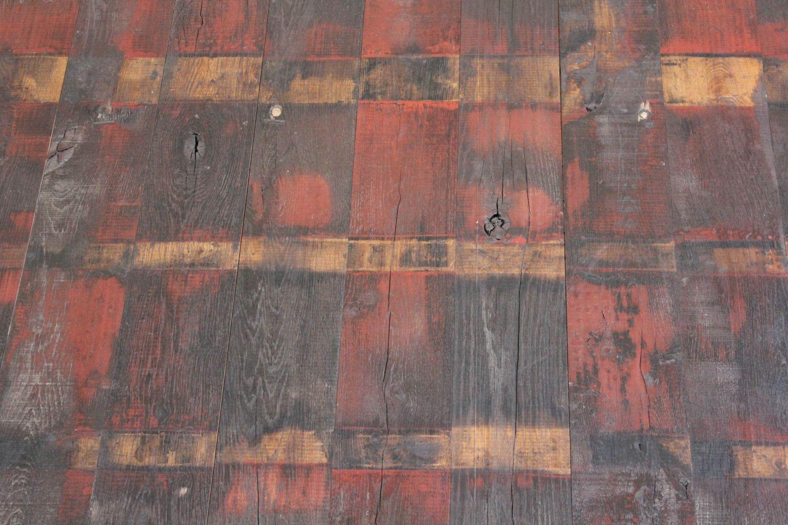 Plancher wagon peinture rouge ch ne bca mat riaux anciens for Peinture plancher