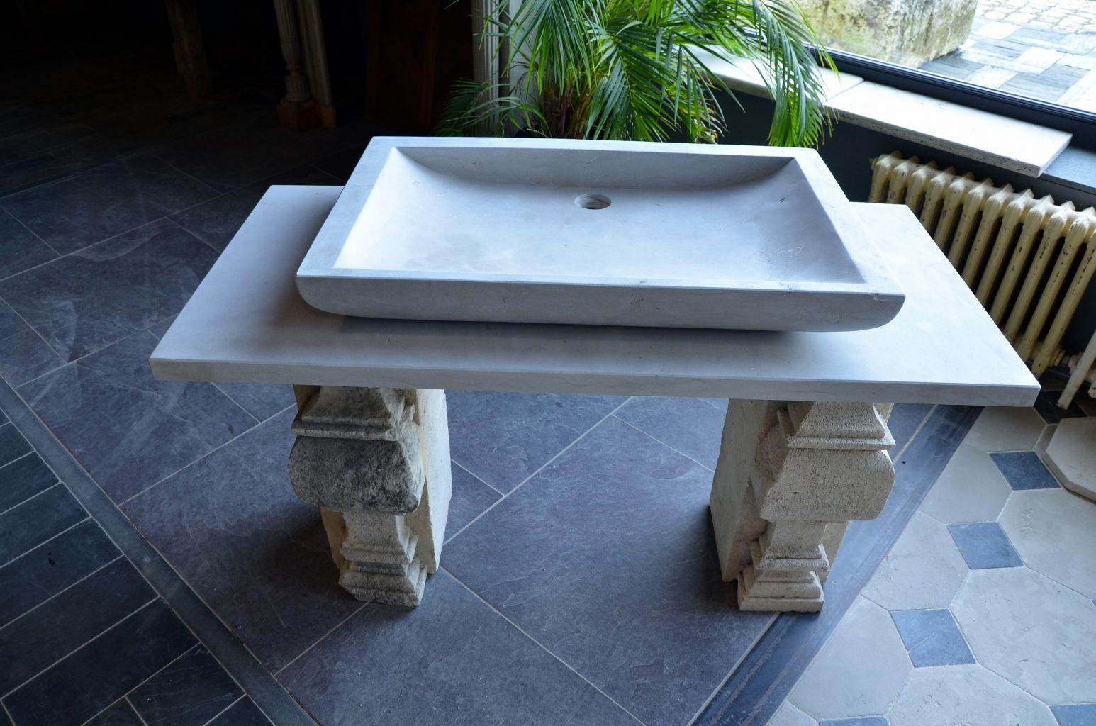 Vasque en pierre naturelle grise avec plateau bca mat riaux anciens - Evier en pierre naturelle ...