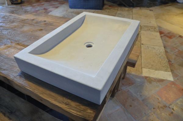 evier de salle de bain en pierre naturelle