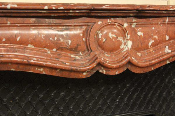 Cheminée en marbre rouge du Languedoc style Louis XV