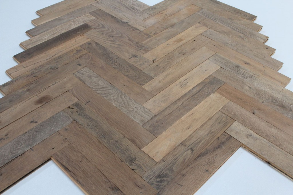 parquet ancien b ton rompu en ch ne bca mat riaux anciens. Black Bedroom Furniture Sets. Home Design Ideas