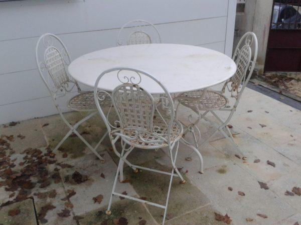Table ronde en fer forgé style ancien