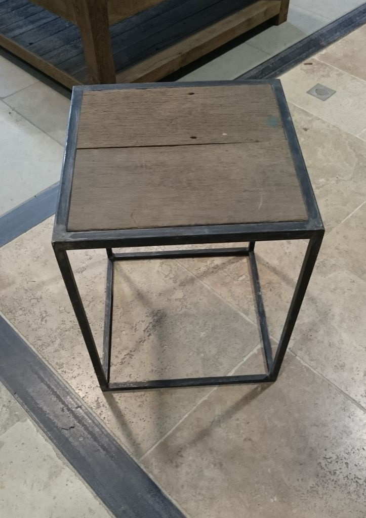 tabouret en fer et vieux bois style industriel bca mat riaux anciens. Black Bedroom Furniture Sets. Home Design Ideas