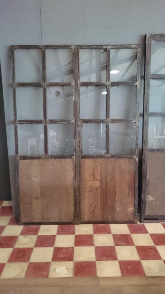 Porte ancienne double en fer et bois avec ch ssis bca for Double porte en bois
