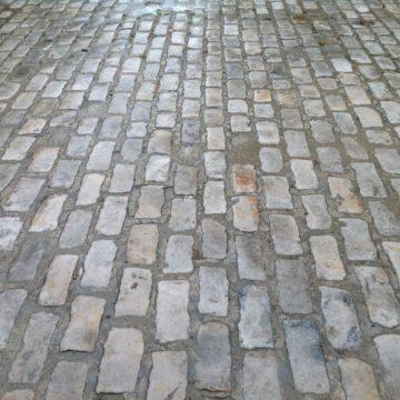Pavé de Fontainebleau ancien