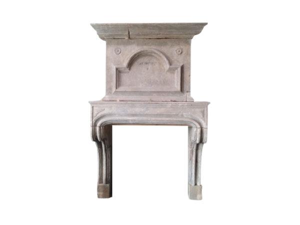 cheminée ancienne en pierre de bourgogne à Trumeau
