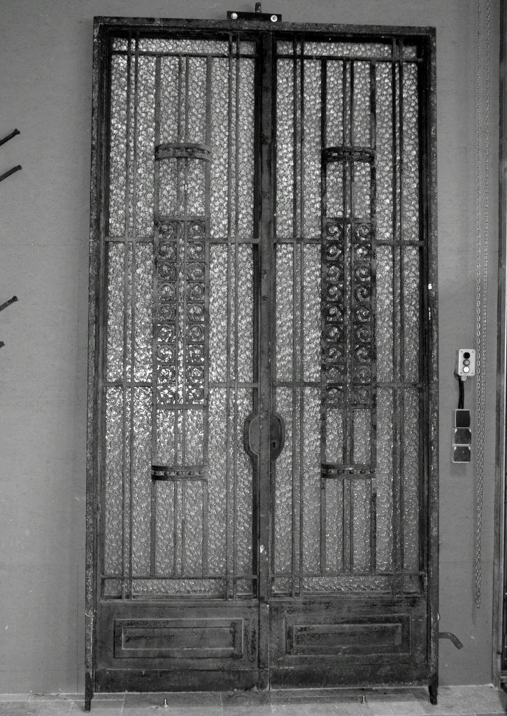Porte art deco porte d 39 entr e ancienne fer forg bca for Porte en fer forge ancienne