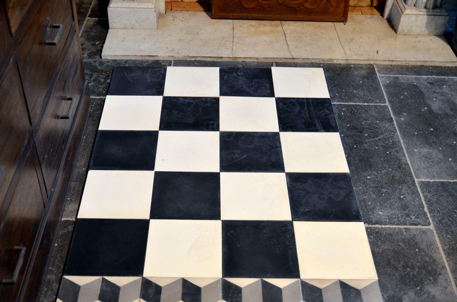 Damier noir et blanc - Carreaux de ciment ancien ...