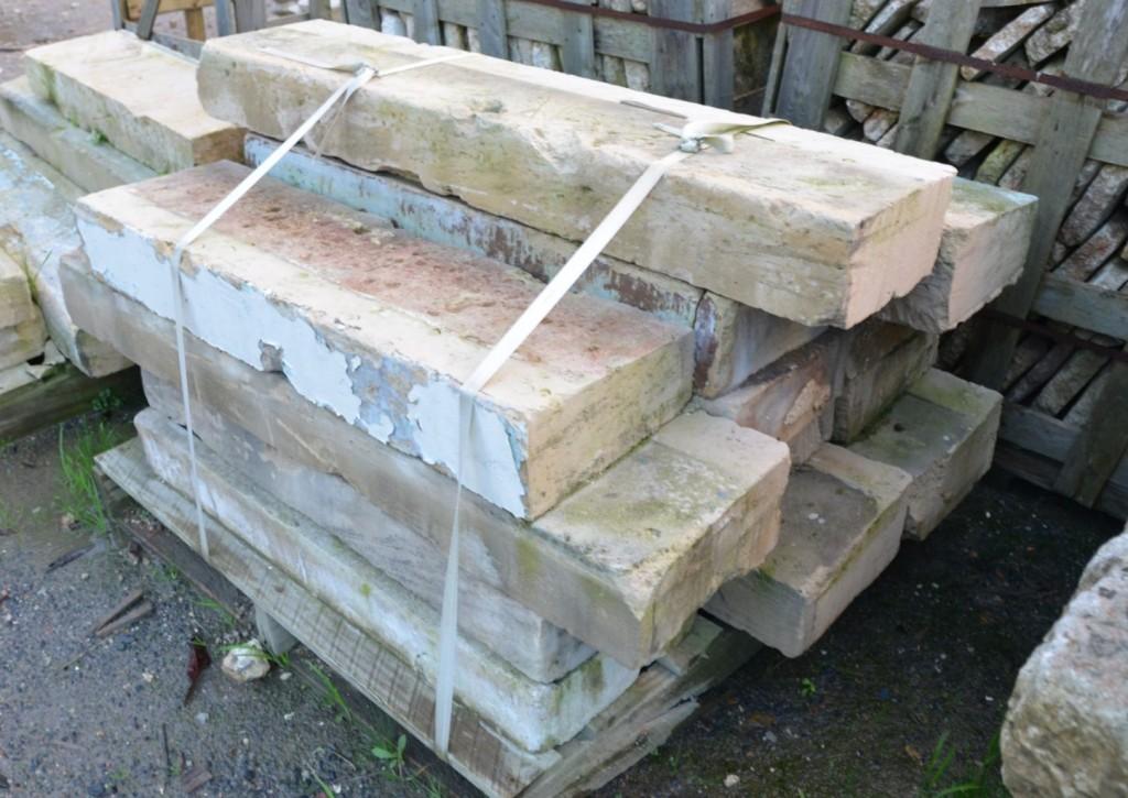 Appui de fen tre ancien en pierre pierre calcaire bca for Appui de fenetre en pierre naturelle
