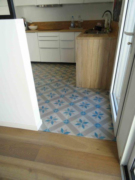 carreaux de ciment motif étoile dans cuisine